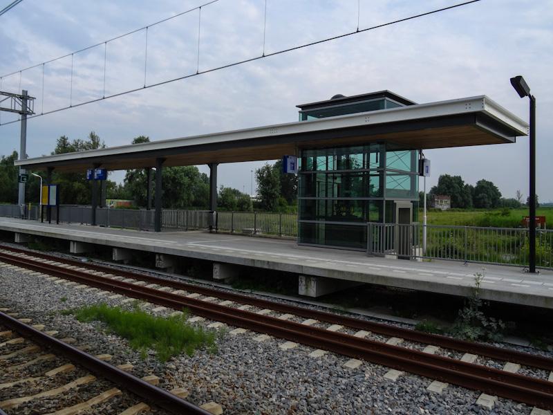 Hier begon het weekend vrij reizen, station Wormerveer.