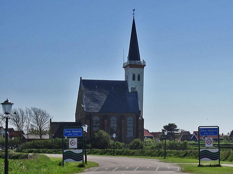 Kerkje den Hoorn. Ik ben ook naar Den Burg gefietst maar daar heb ik geen foto's van.